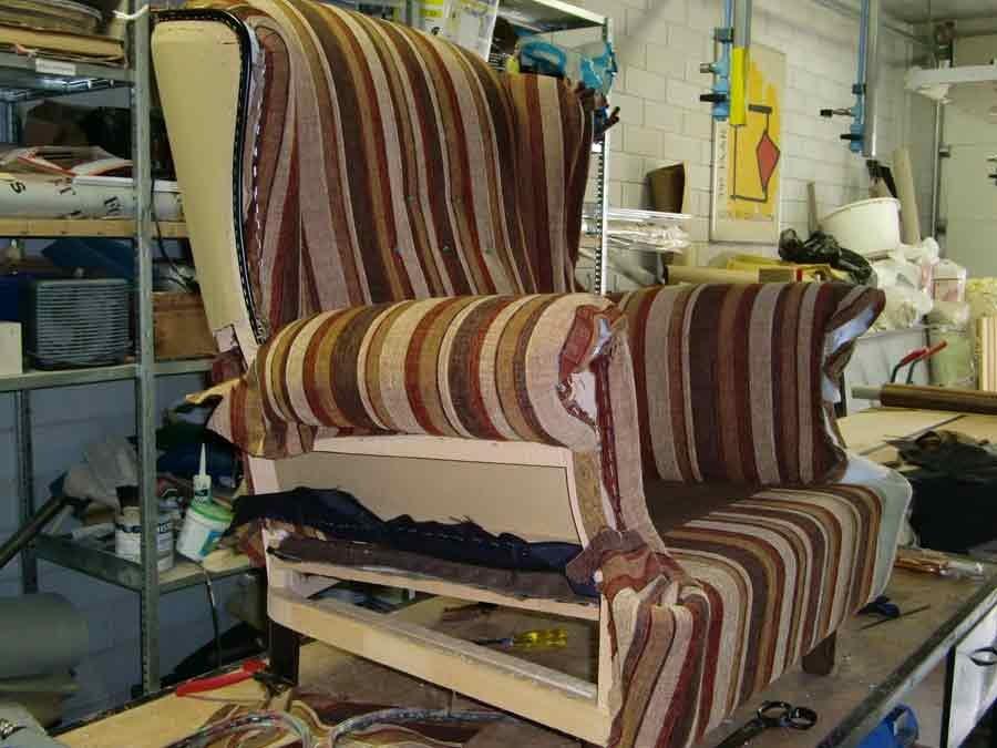 een oor fauteuil  op patroon stofferen